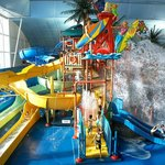 Fallsview Indoor Waterpark offers 16 extreme slides