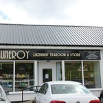 Muneroy store
