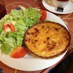 Quiche lorraine with salad