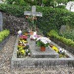 オードリーの墓