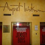 August Wilson Theatre - ENTRADA