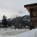 O hotel fica na Avenida principal da charmosa vila de Banff