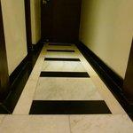 detalle del piso de la habitacion