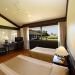 Deluxe Riverview Twin Room