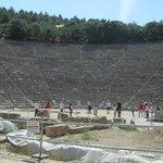 Epidauros antik tiyatrodan bir görünüş