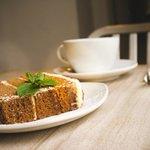 Gorgeous Ginger Spice & Walnut Cake