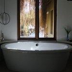 Very nice tub.