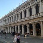 Lugar Impressionante, arquiteturas, piazza enormes