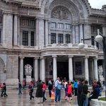 Ciudad de México, México. Palacio de Bellas Artes. Siempre muy concurrido.