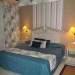 Bedroom Room 77