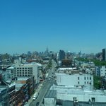 Vista desde la habitació, al fondo se ve el Empire State