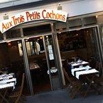 ภาพถ่ายของ Aux Trois Petits Cochons