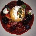 prachtig dessert op basis van heerlijk vers fruit