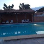 La piscine chauffée prise en début de soirée :)