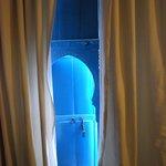 petite porte d'entrée sur la chambre