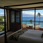 Royal Lahaina 1 Bedroom suite bed & awesome view