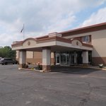 Red Roof Inn & Suites Piqua