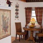 Oscar Wilde diningroom