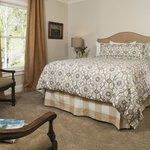 Shearer Creek - Queen bedded room