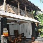 fachada villa dos plantas (1 dormitorio)