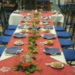 Mesa montada para celebracion