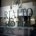 Welcome to the Rialto Hotel