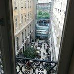 Vista dalla camera sul ristorante centrale