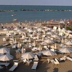 spiaggia privata fronte mare