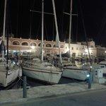 Frente al restaurante, Es Port de Ciutadella