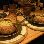 Sopa servida no pão italiano