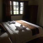 Tempat tidur yang di desain rapi dan bersih