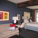 Deluxe King Room #373