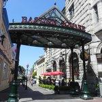 Bastion Square. Entrada pela Government Street.