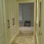 Terrace Suite Wardrobe Gully
