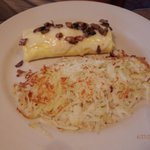 dad's omelet , hash browns