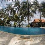infinity pool overlooking beach