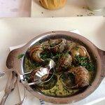 Бургунские улитки с чесночным соусом