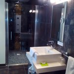 espace salle de bein douche a l'italienne