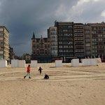Hotel is direct aan het strand