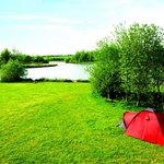 Find your idylic camping spot near the lake or in our family friendly field