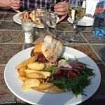 Delicious burgers, wedges & wine