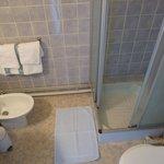 elke kamer heeft eigen sanitair