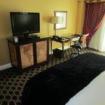 Room/Desk/TV