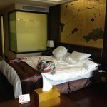 Our room, behind the glass is bathing area.