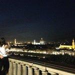 フィレンツェの夜景を一望