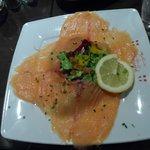 Assiette de saumon/salade en remplacement de la cochonnaille