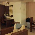 Room -b
