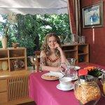 Завтрак в милой столовой.