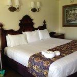 Corner King Bed Room in Building 3 on 2nd Floor