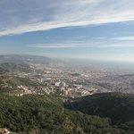 Вид на Барселону с высоты верхней площадки